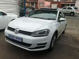 2014 Volkswagen Golf 7 1.4 Tsi automatic with a sunroof