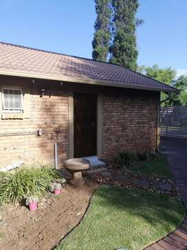 Rynfield Benoni  garden Cottage / flat to Rent