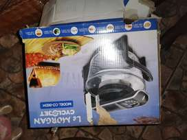 Auto LG washing machine and a slow cooker