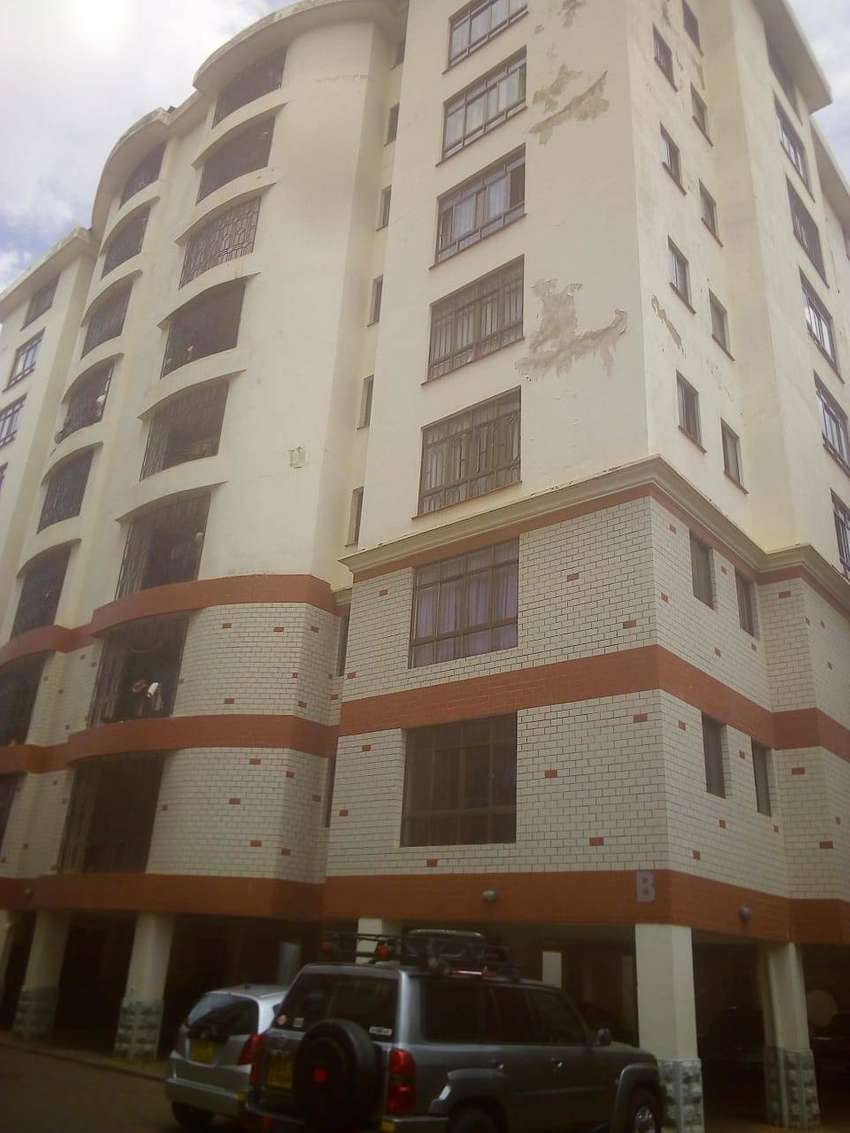 3 Bedroom Apartment with Sq for sale 0