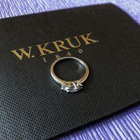 Złoty pierścionek z dużymi brylantami