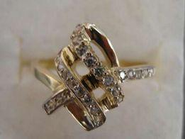 Złoty pierścionek 2,80 g