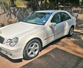 2005 Mercedes Benz C 180 Manual Kompressor with low mileage for sale