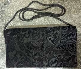 Black Suede Clutch Bag with lace - good as new / Fluweel Clutch Bag