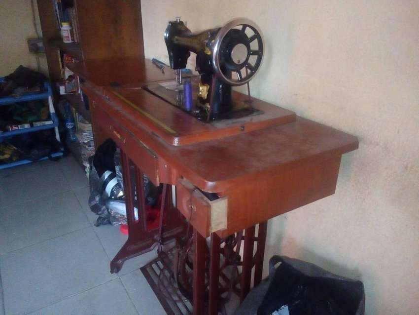Manual Sewing Machine 0