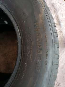 17 inch suv/bakkie tyres for sale (R 1000 price for all 3)