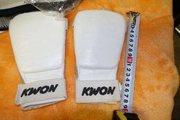 Защита для рук (карате или кик-боксинг)