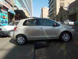 Toyota yaris T3 2010 for SALE.