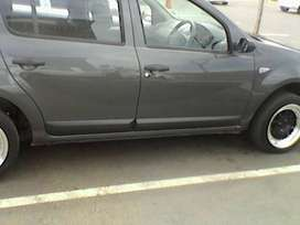 Renault sandero 1.6 united good condition, tow bar clean
