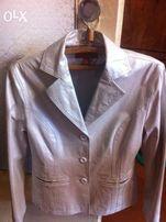 Продам белый кожаный пиджак