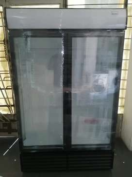 1360 Husky Display Fridge