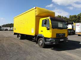 2005 Man 10-163 (6 ton) with volume body and tail lift