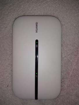 Huwaei e5576 wifi router brand new