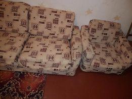 кресло,есть2а,не раскладные,1подлокотник нужно укрепить,обшивка -норм
