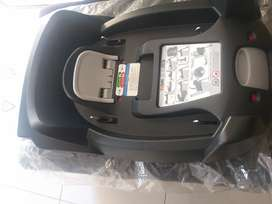 Be Safe_iziGo isofix base SELLS FOR 4K