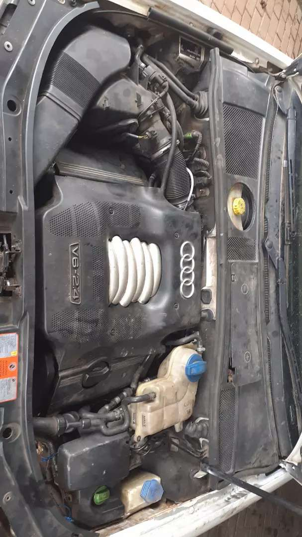 Selling as non runner body good conditoin licince is behiind audi a6 0