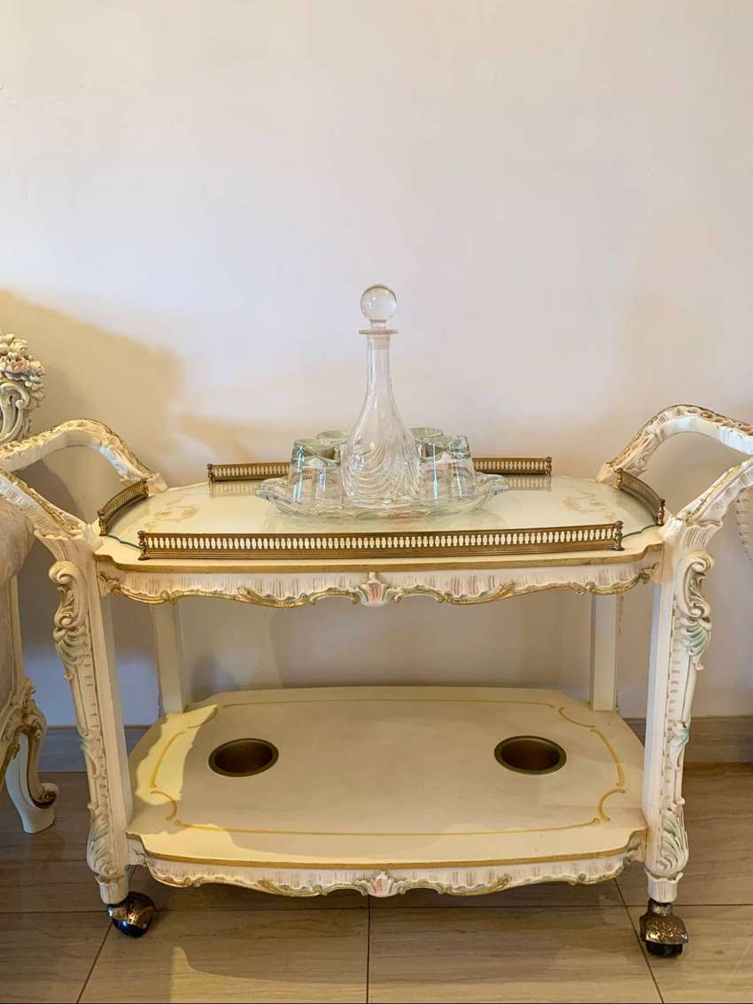 Lo Stile Di Classe Service Trolley with Crystal Top 0