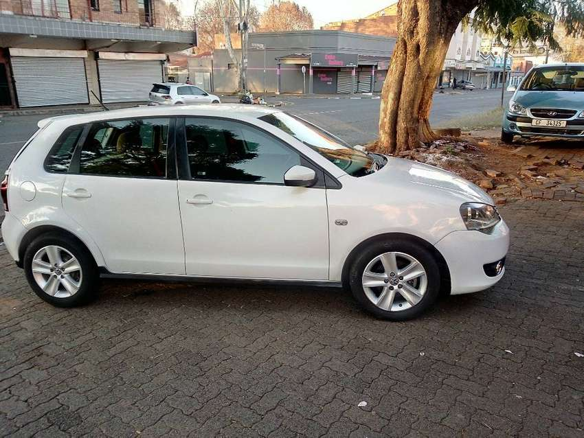 WHITE POLO-VIVO 1.6 GT HATCH BACK 0