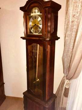 Grandfather Clock / Oupa Klok