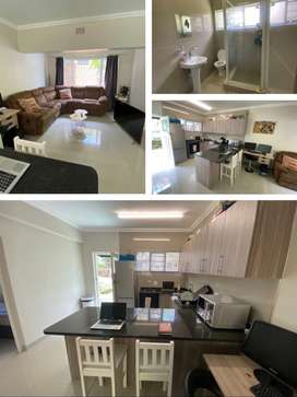 Spacious 2Bapartment in a secure complex in Southern Suburbs(rosebank)