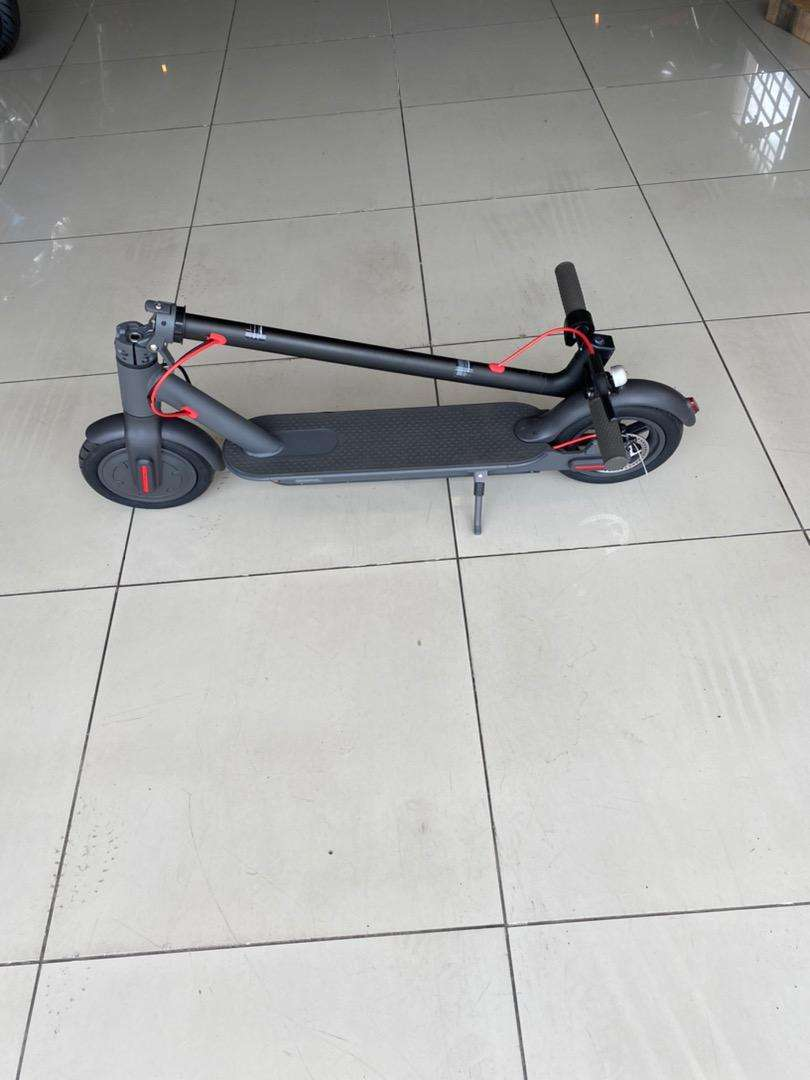 Electric Kick Scooter 0