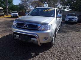 Very clean toyota hilux 2.7 vvti double cab