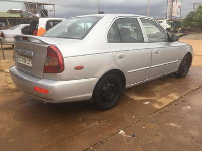 Image of HYUNDAI Accent 2002 model