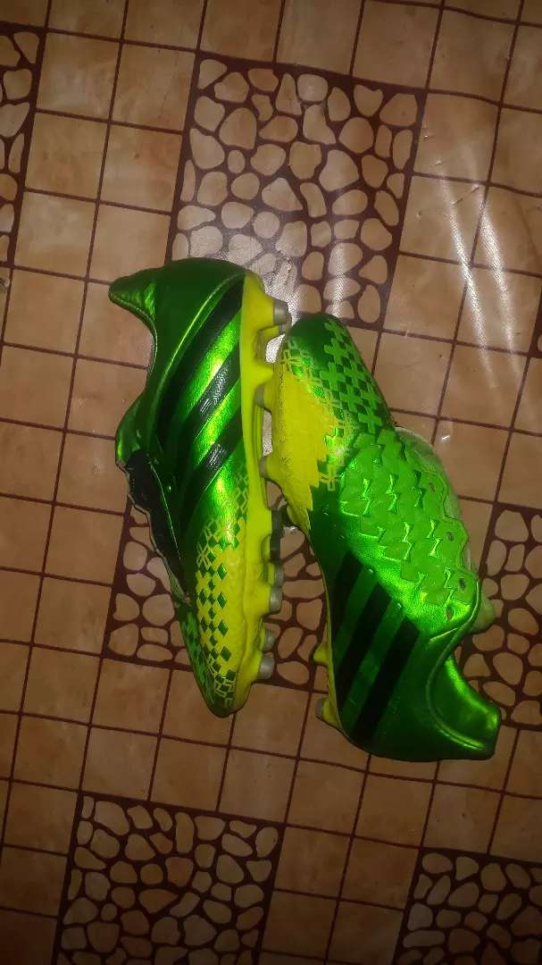 Predator football boots 0
