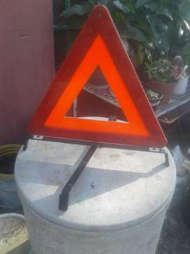 Mercedes warning triangle