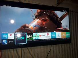 """Samsung smart android tv 48"""" with box and remote"""