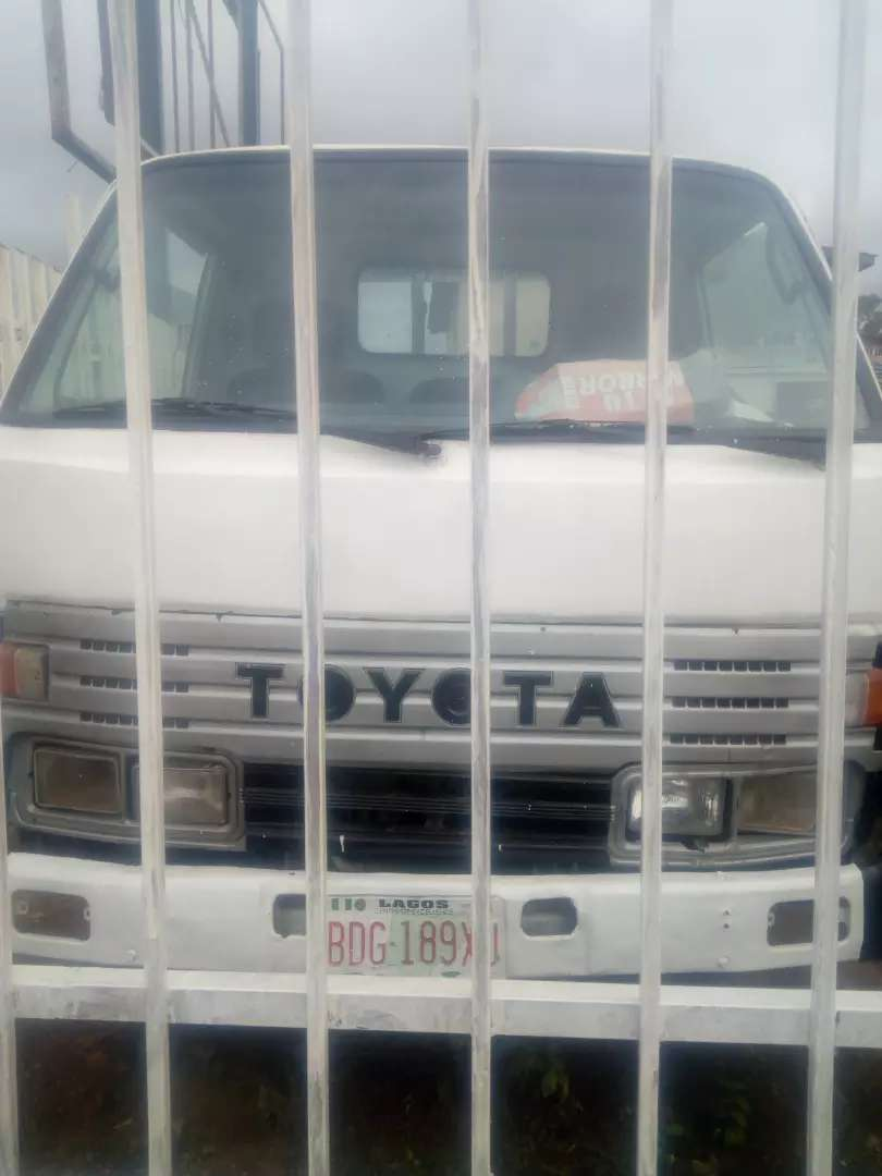 A fairly used Toyota Dyna with good engine and neat body. 0