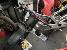 Aprilia RSV1000 mille rolling chassis