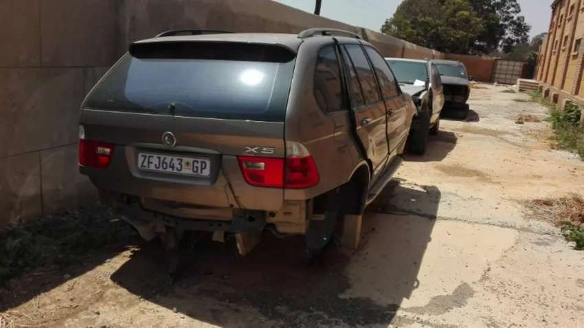 Bmw X5 stripping for spares 0