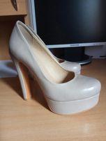 Туфлі бежеві жіночі