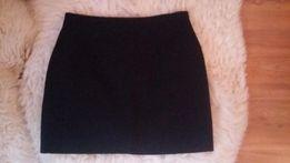 Czarna spódnica mini z suwakiem