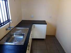 1 bedroom garden cottage to rent in Lombardy