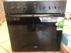 Stove, hob and extractor fan