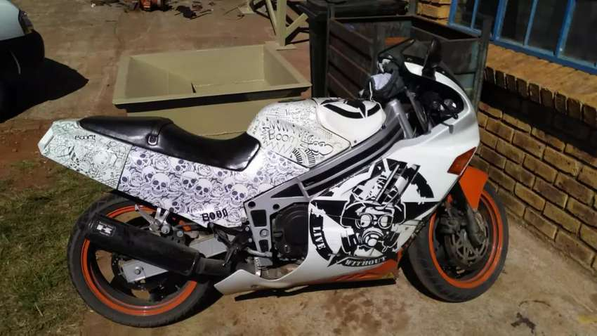 I have A kawasaki zxr 400 to swop for small car 0