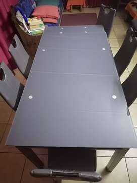 DINNER TABLE IDEAL FOR DINING ROOM +(6) chairs