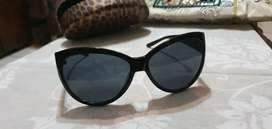 Ladies Guess sunglasses never used