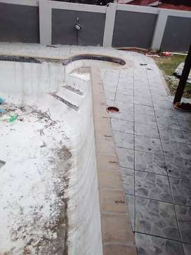 Building swimming pools from scratch and renovation