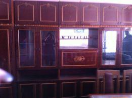Продам стенку, два кресла, журнальный стол (гарнитур)