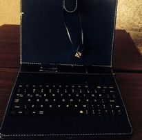 Клавиатура для планшета + чехол