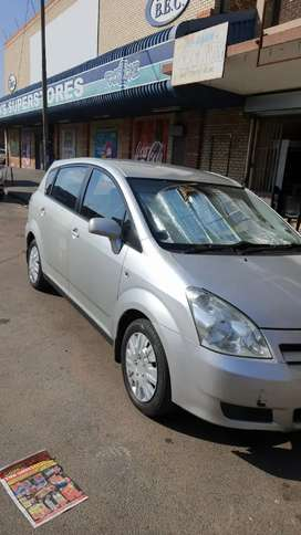 TOYOTA VERSO 7SEATER 1.6 MANUAL