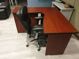 Very neat corner desk and leather chair