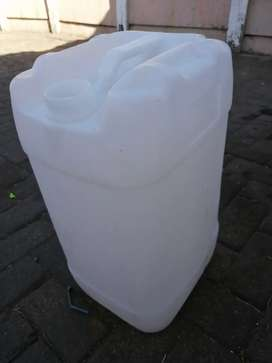 25 litre containers