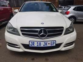 2012 MERCEDES Benz C200  Blue-efficiency with Sunroof & leather seats