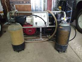 Zero air compressor for dive cylinders