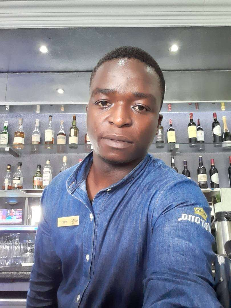 BARMAN urgently LOOKING FOR A JOB 0