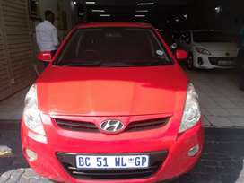 HYUNDAI I20 FOR SALE AT VERY LOW PRICE